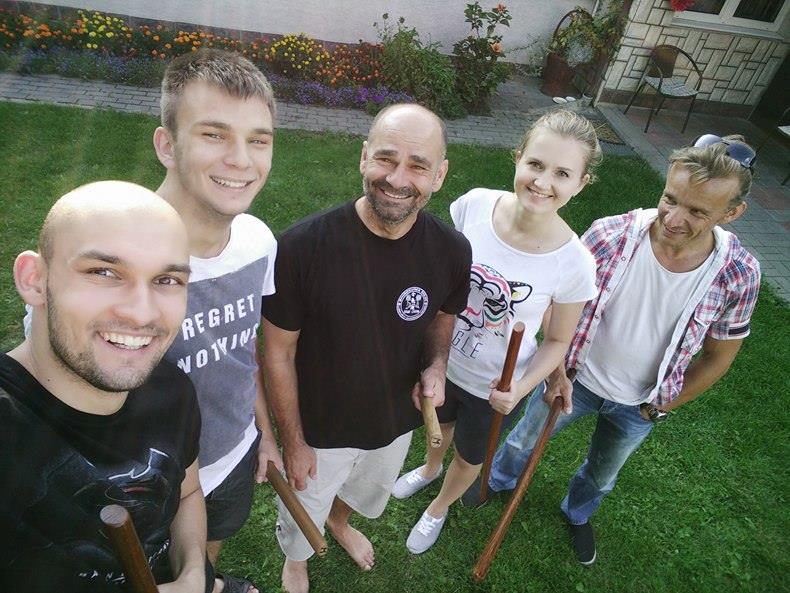 trening Aikido Lublin na podwórku senseia